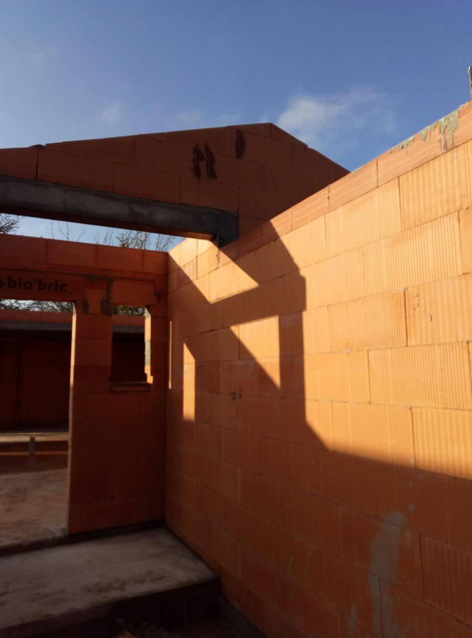 Mur charpente côté entrée