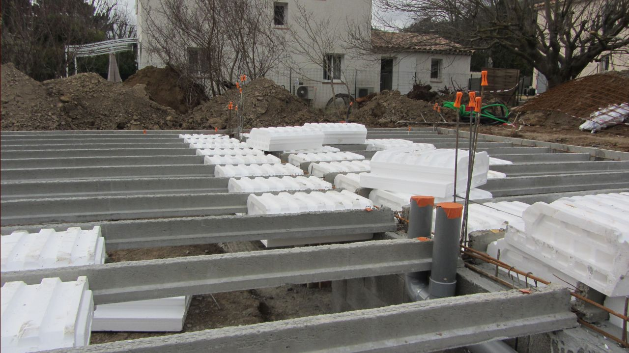 Vide sanitaire et dalle en construction