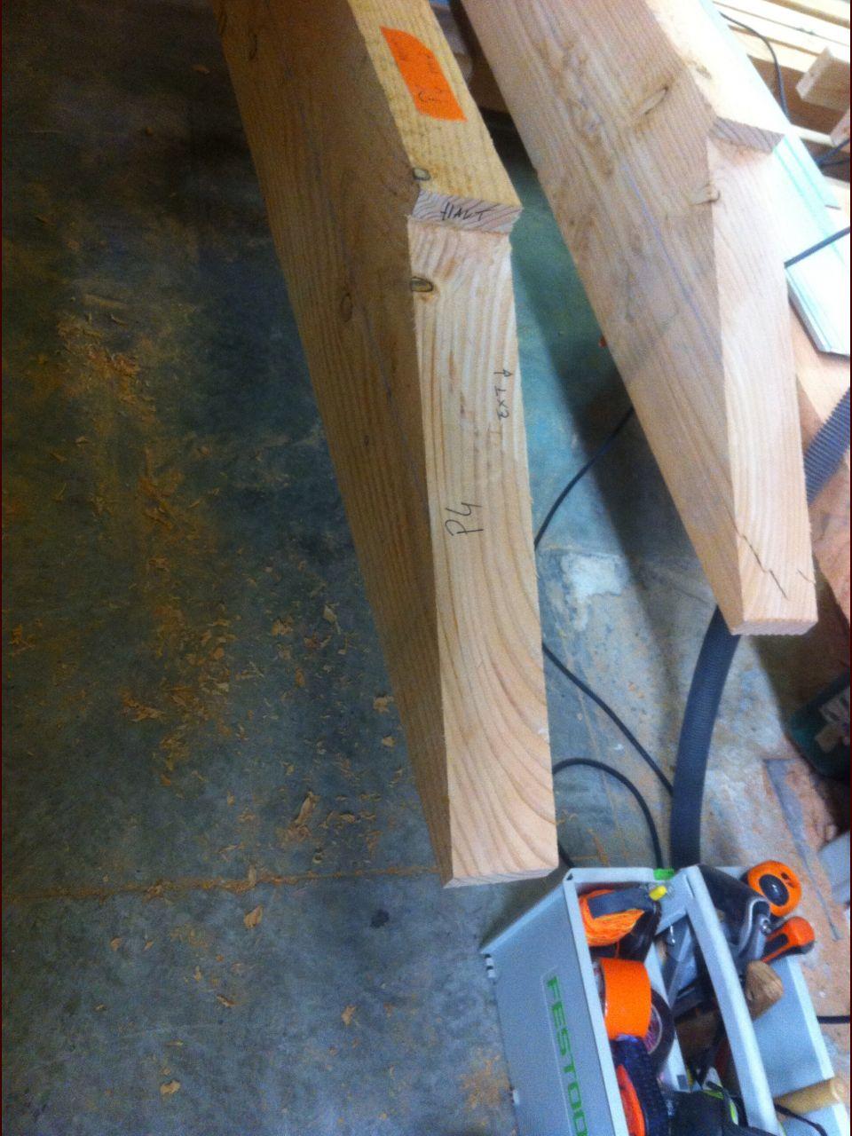 Sifflet désabouté sur une panne terminé (j'ai fait la même chose sur les poutres porteuses de la dalle bois)