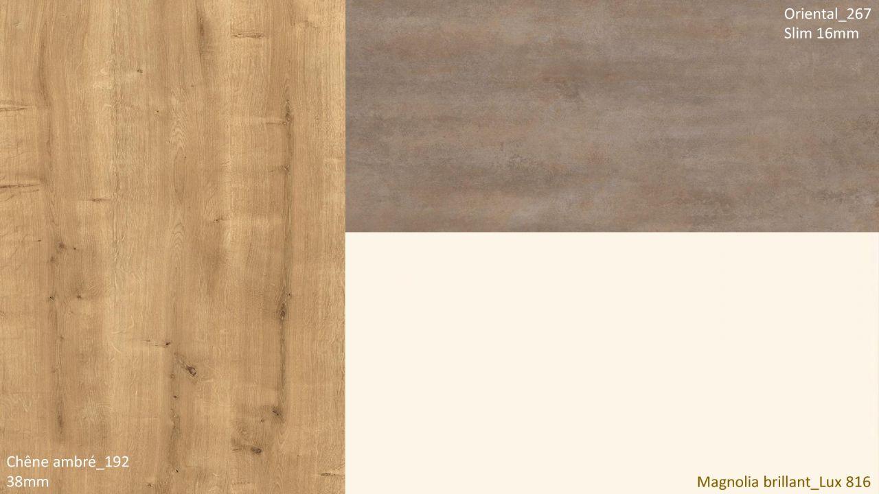 coloris cuisine <br /> plan travail oriental (267) en slim <br /> plan de travail bar Chêne ambré (192) <br /> façade magnolia brillant (816)