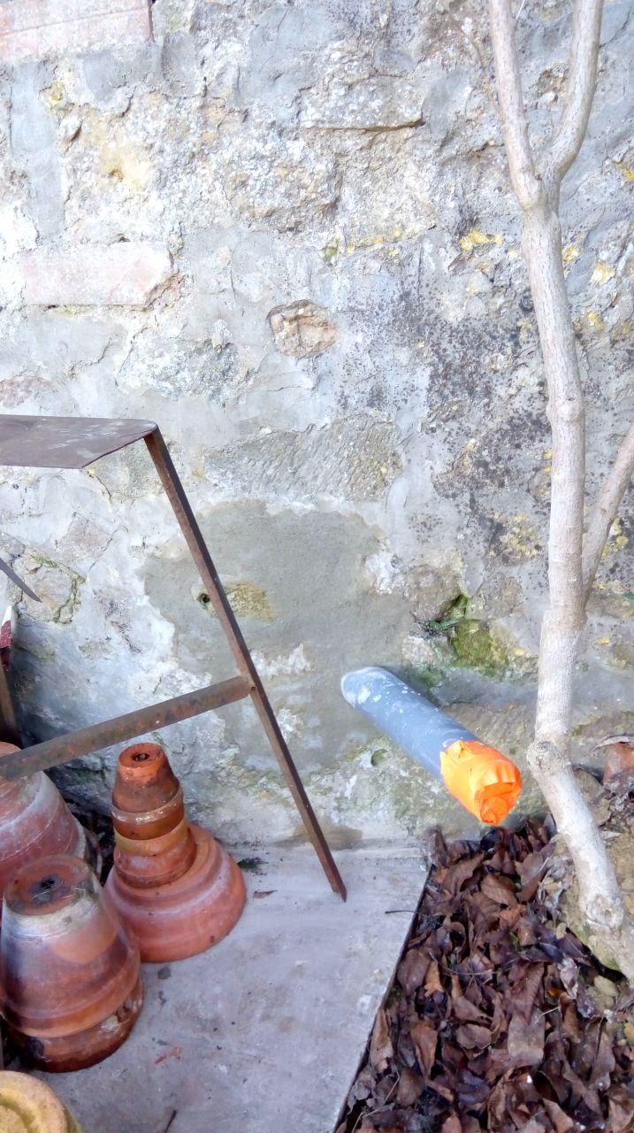 Raccordement au tout a l'égout, où on viendra brancher la pompe de relevage. un travail propre de la part de Suez