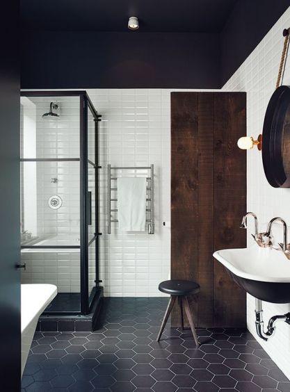 Carrelage choisi pour la salle de bains de l'étage et les toilettes.