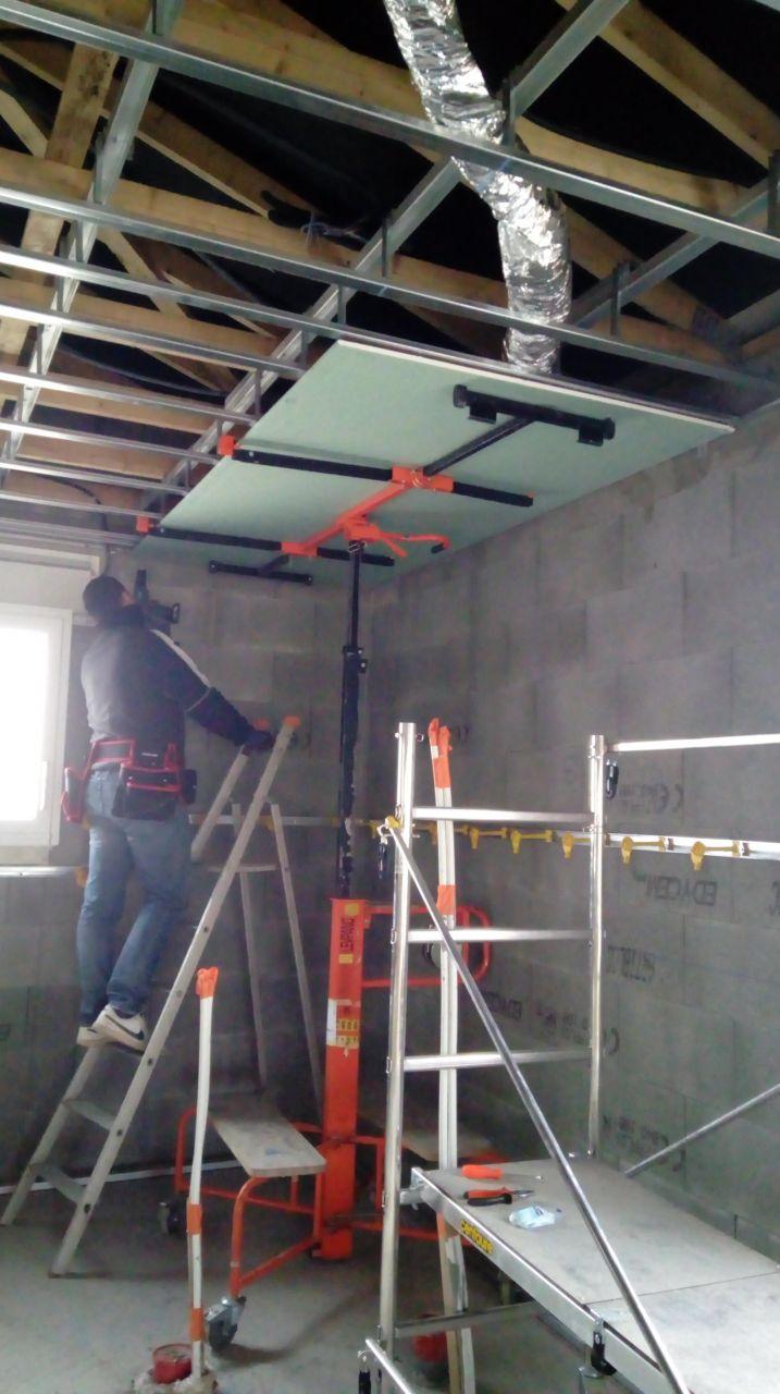 plaquage du plafond au leve plaque c'est nikel ^^