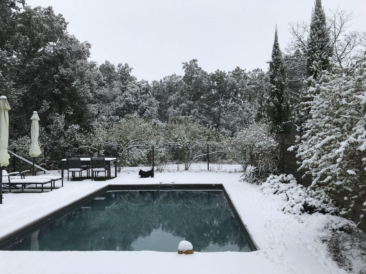 Jour de Neige à Uzès. Il ne fallait pas rater ça, c'est rare!