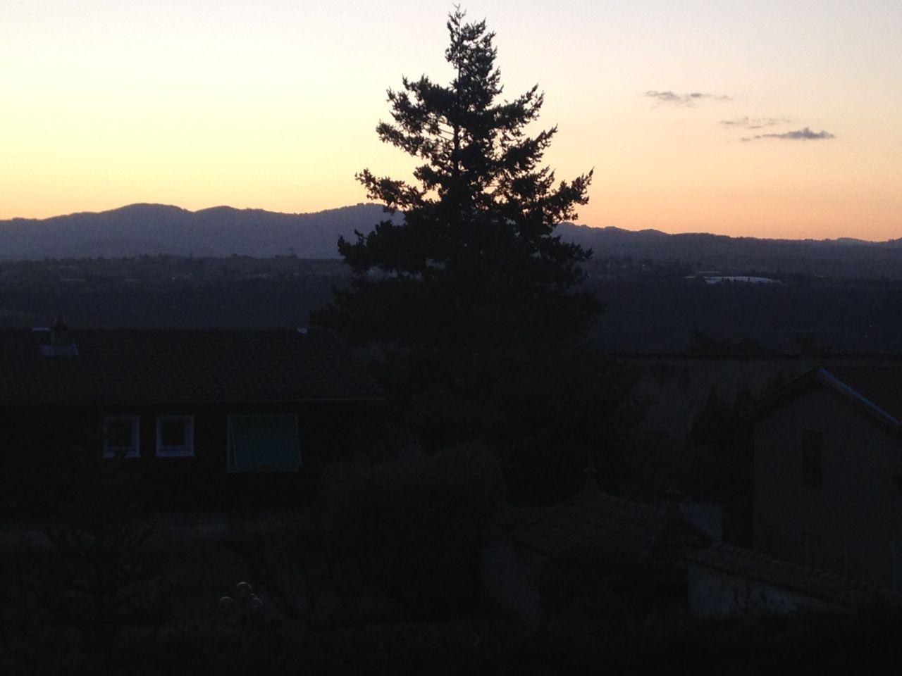 vue du 1er étage plein ouest monts du lyonnais