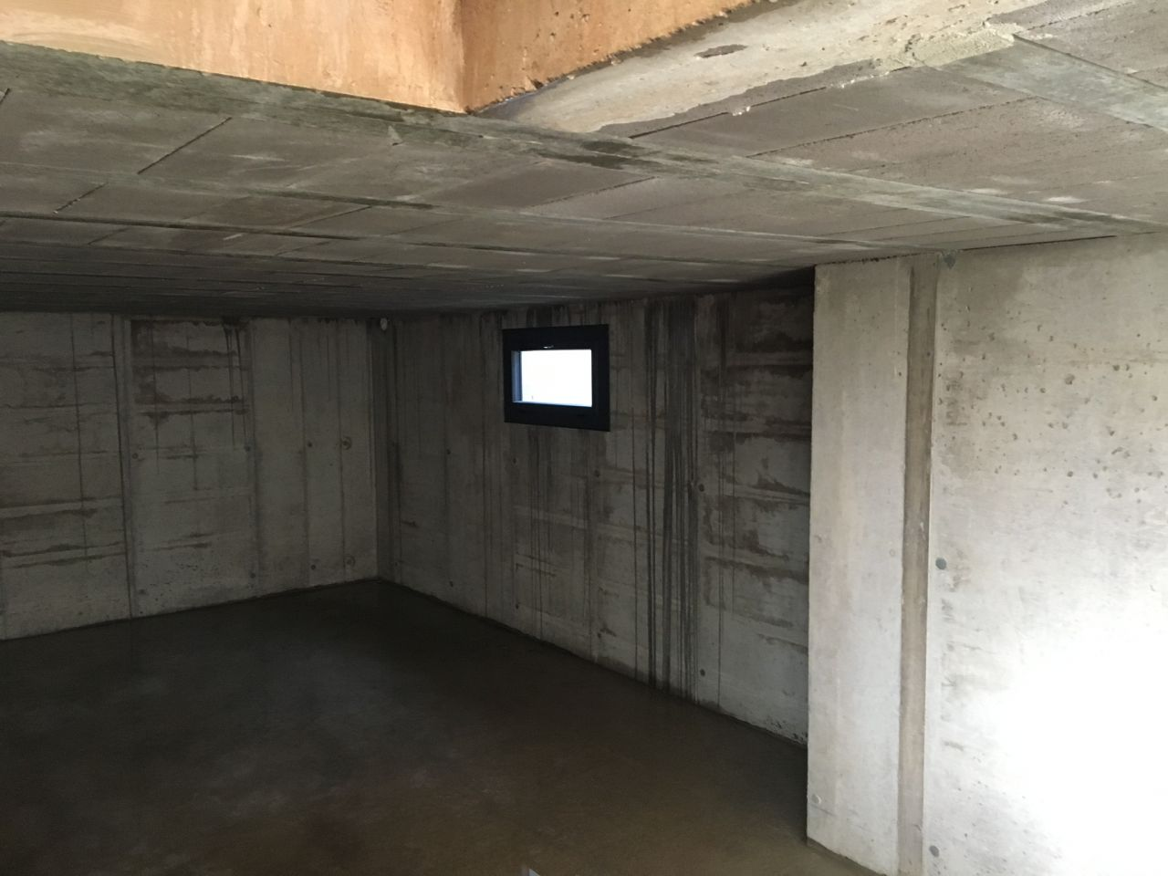 fenêtre sous-sol
