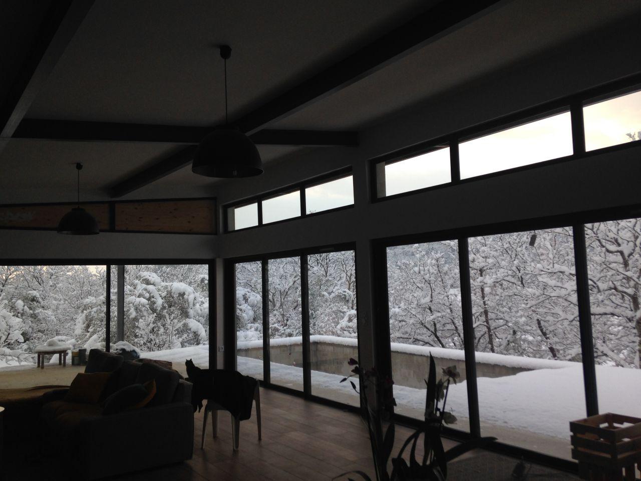 Le var sous la neige ... déjà 3 fois cet hivers du jamais vu ... c'est beau mais c'est FROID !!! <br /> Vue de la salle à manger ...
