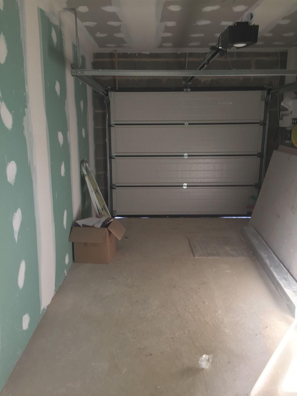 Bande terminées garage
