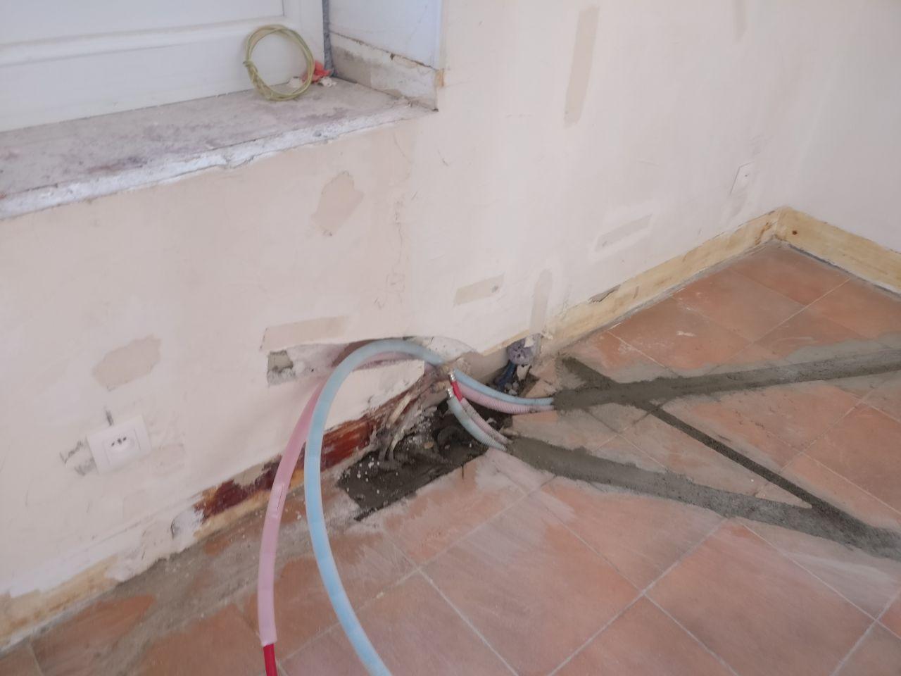 déplacement radiateur et création arrivée d'EC/EF pour évier et lave vaisselle