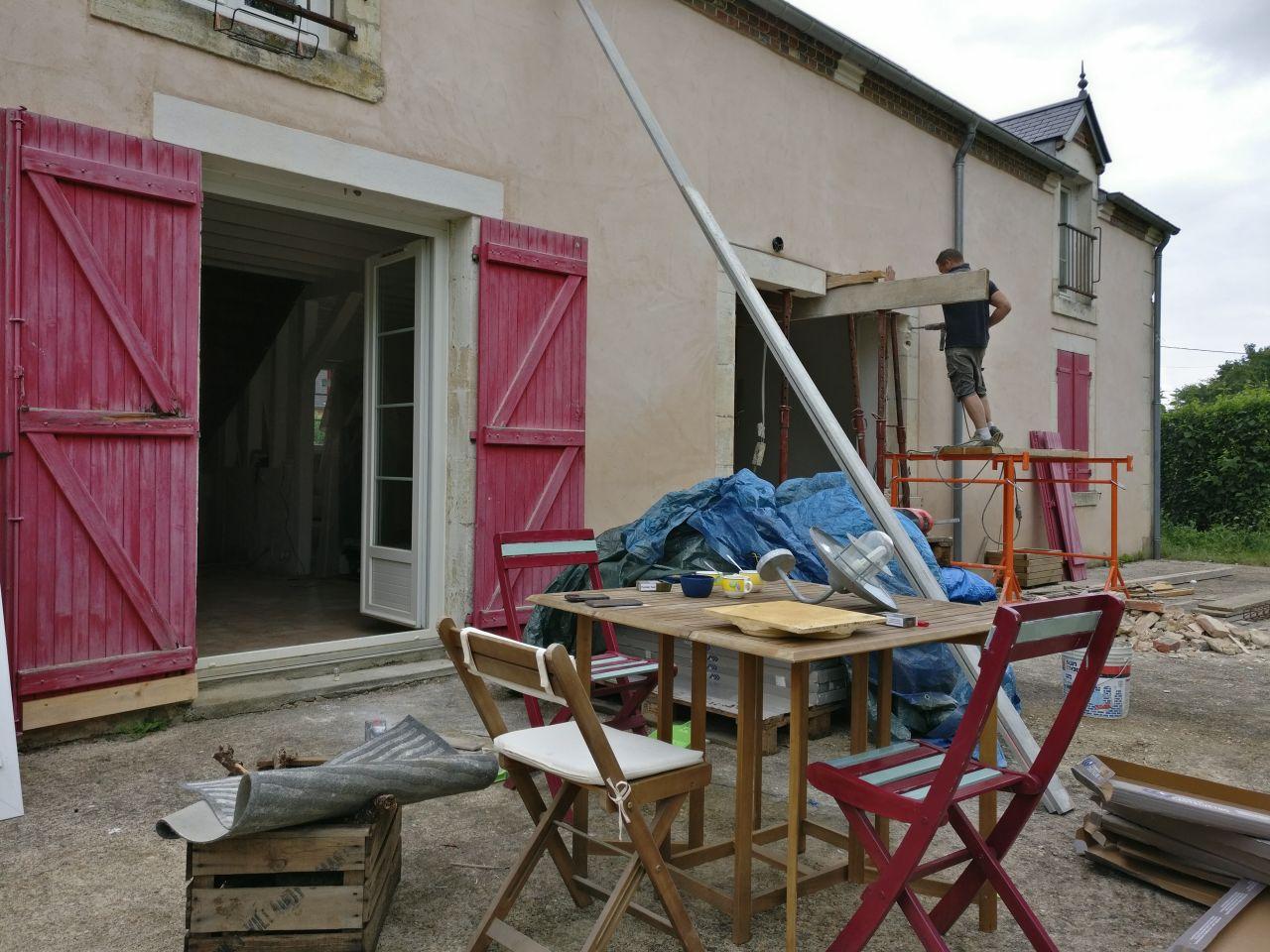 destruction de la porte d'entrée, création de la baie vitrée