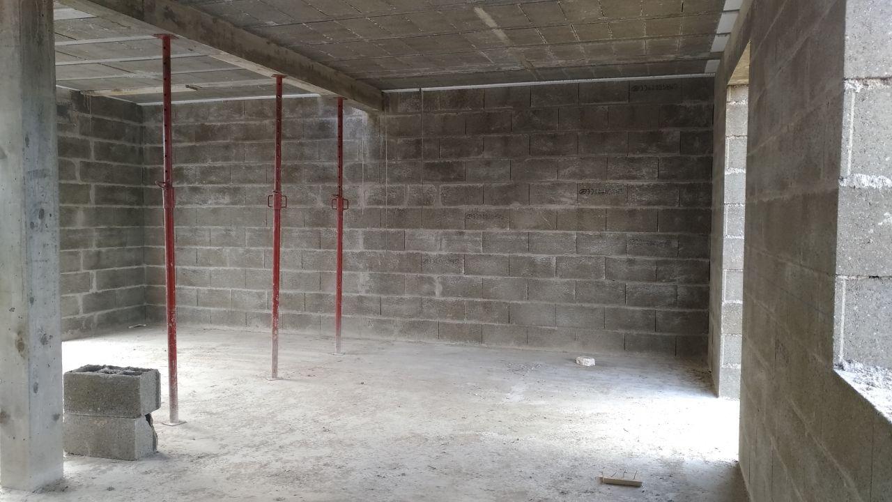 Montage des murs de l'étage et des pignons
