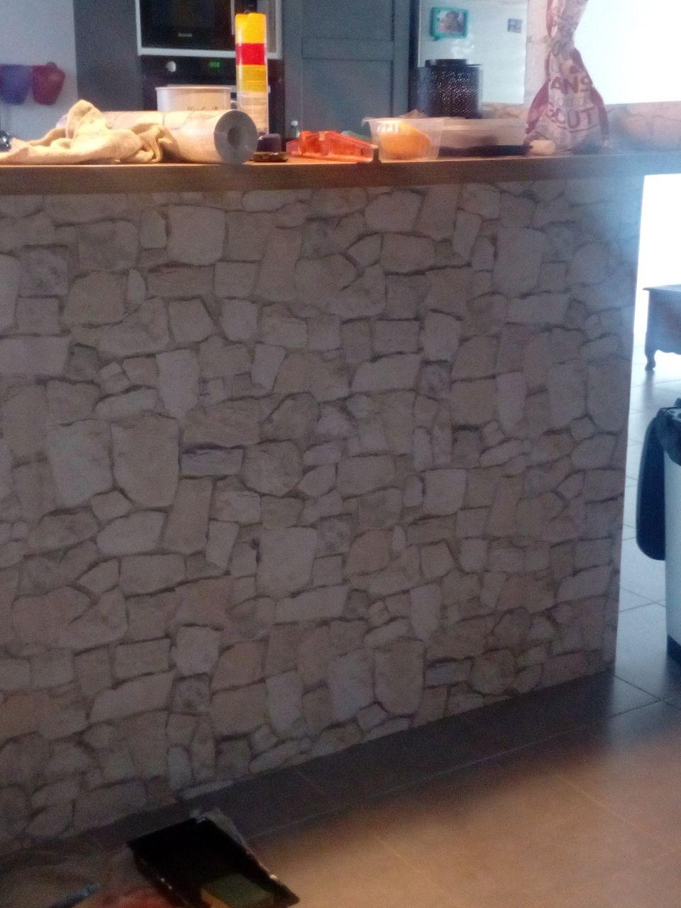 Papier peint sur le muret