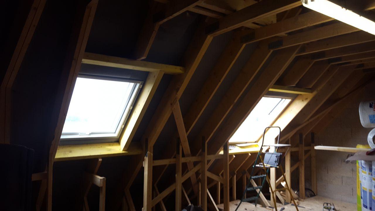 a gauche fenêtre 78x98 PVC et a droite fenêtre 114x118 BOIS