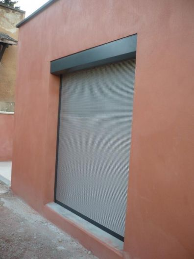 Volets roulants vs brise soleil ou autres 196 messages for Fenetre ral 9006
