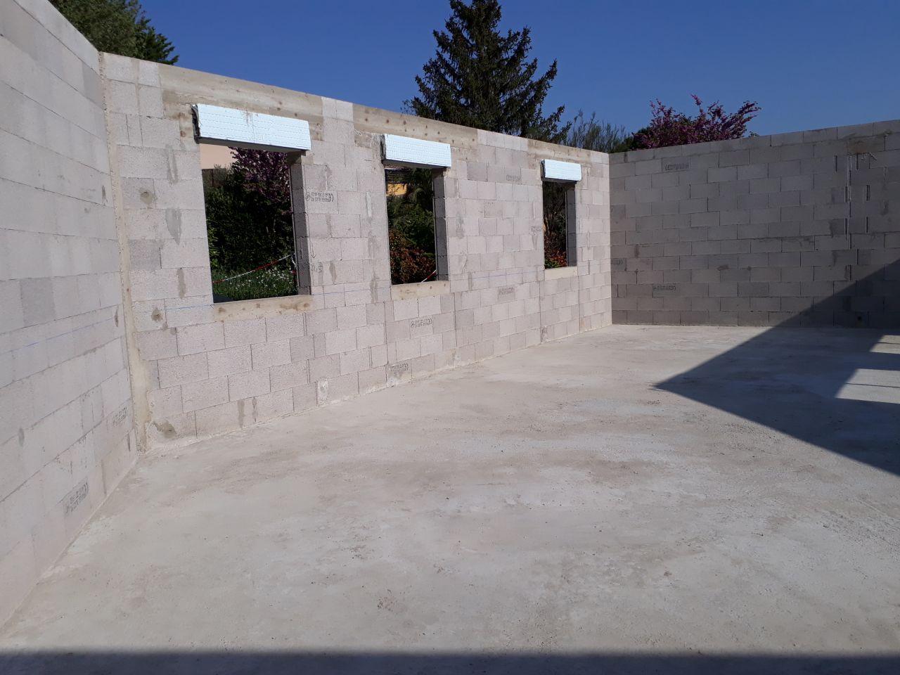 gros oeuvre terminé (façade nord-est)
