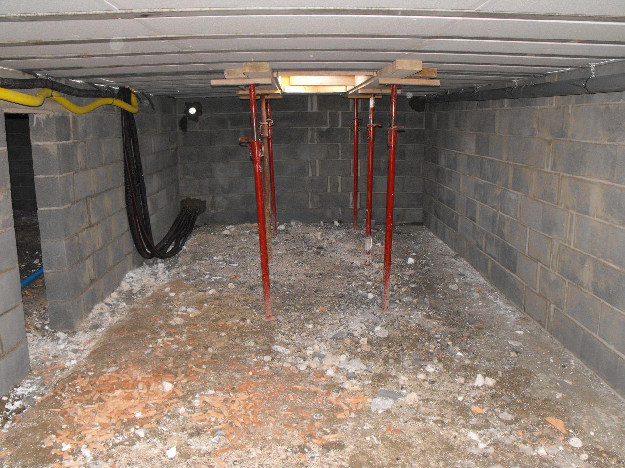 intérieur du vide sanitaire (Trappe dans garage)