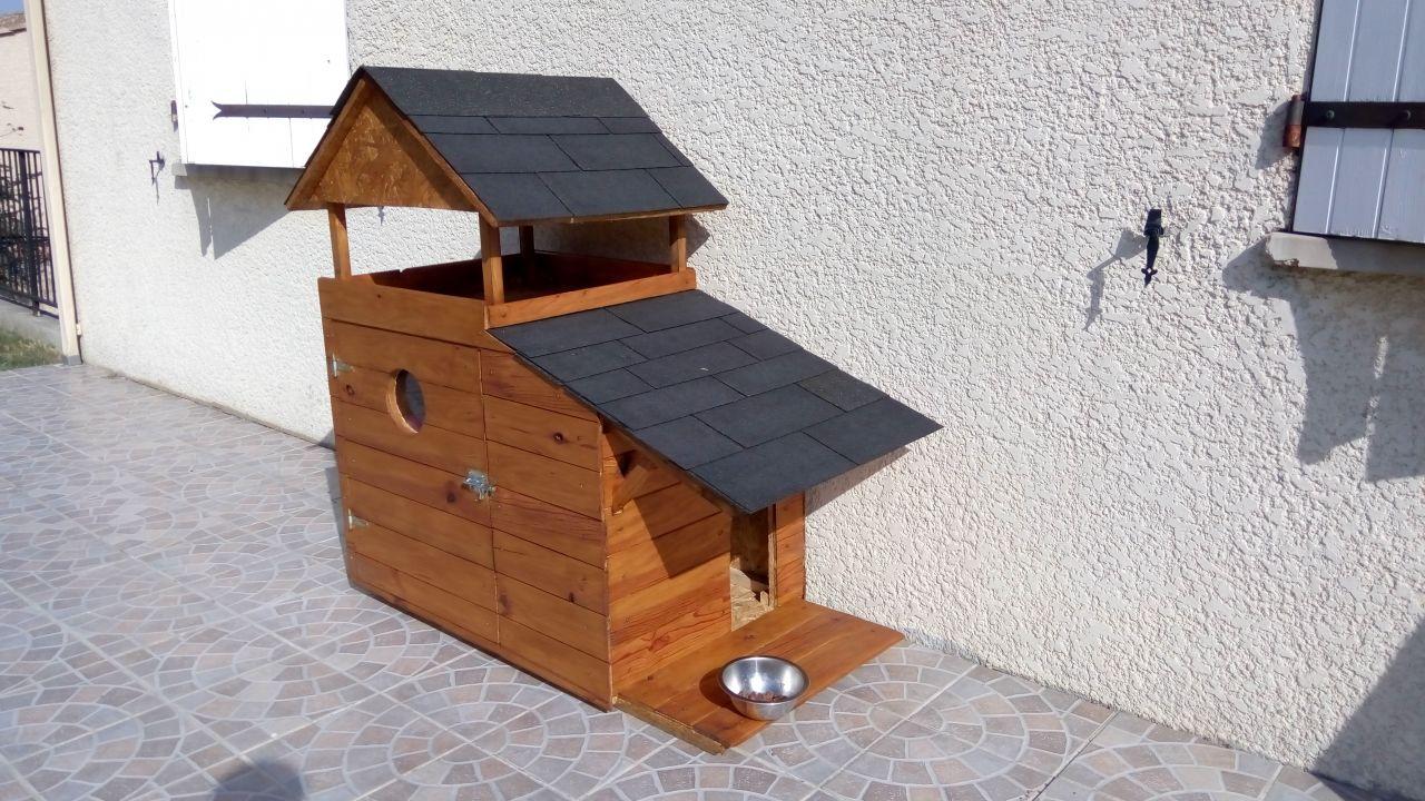 La cabane des chats du dehors, fait maison