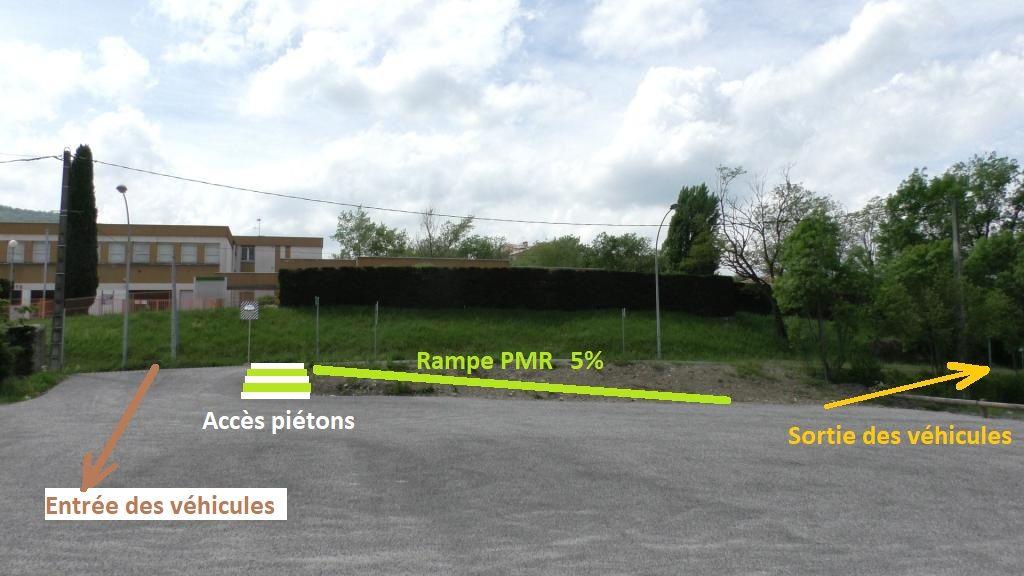 Travaux neufs du parking, <br /> Le responsable : où voulez-vous que je fasse une rampe d'accès ? <br /> Ma réponse en illustration avec séparation des flux = sécurité.