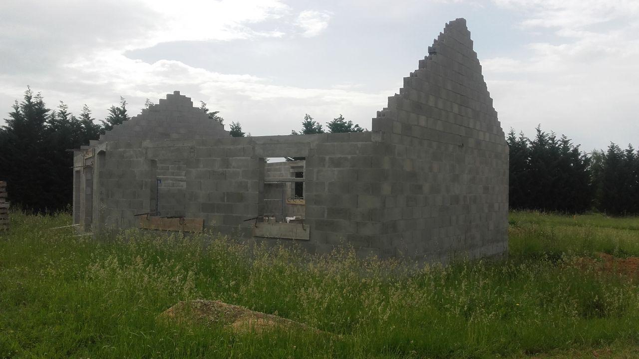 elevation des murs terminée (vue de droite)