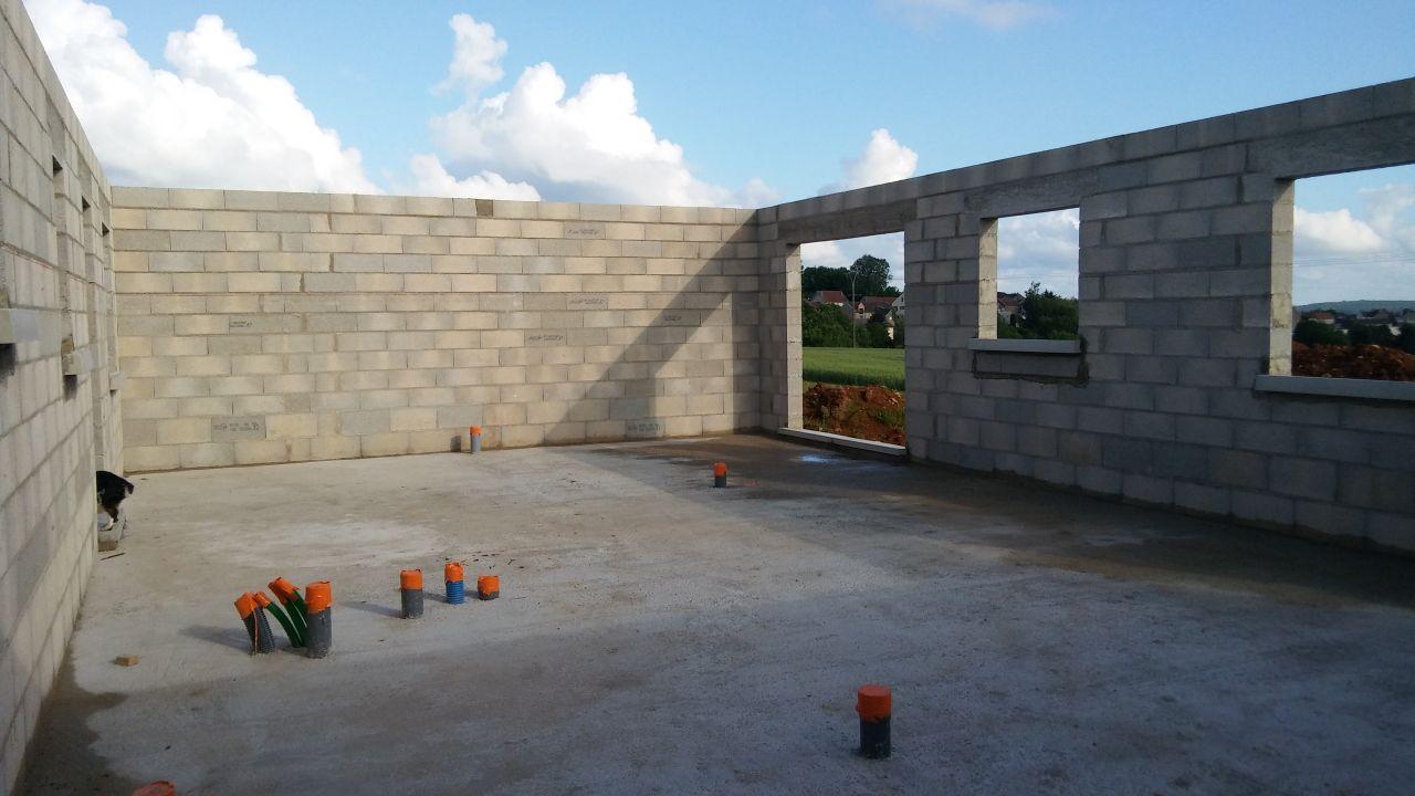 élévation de murs terminée