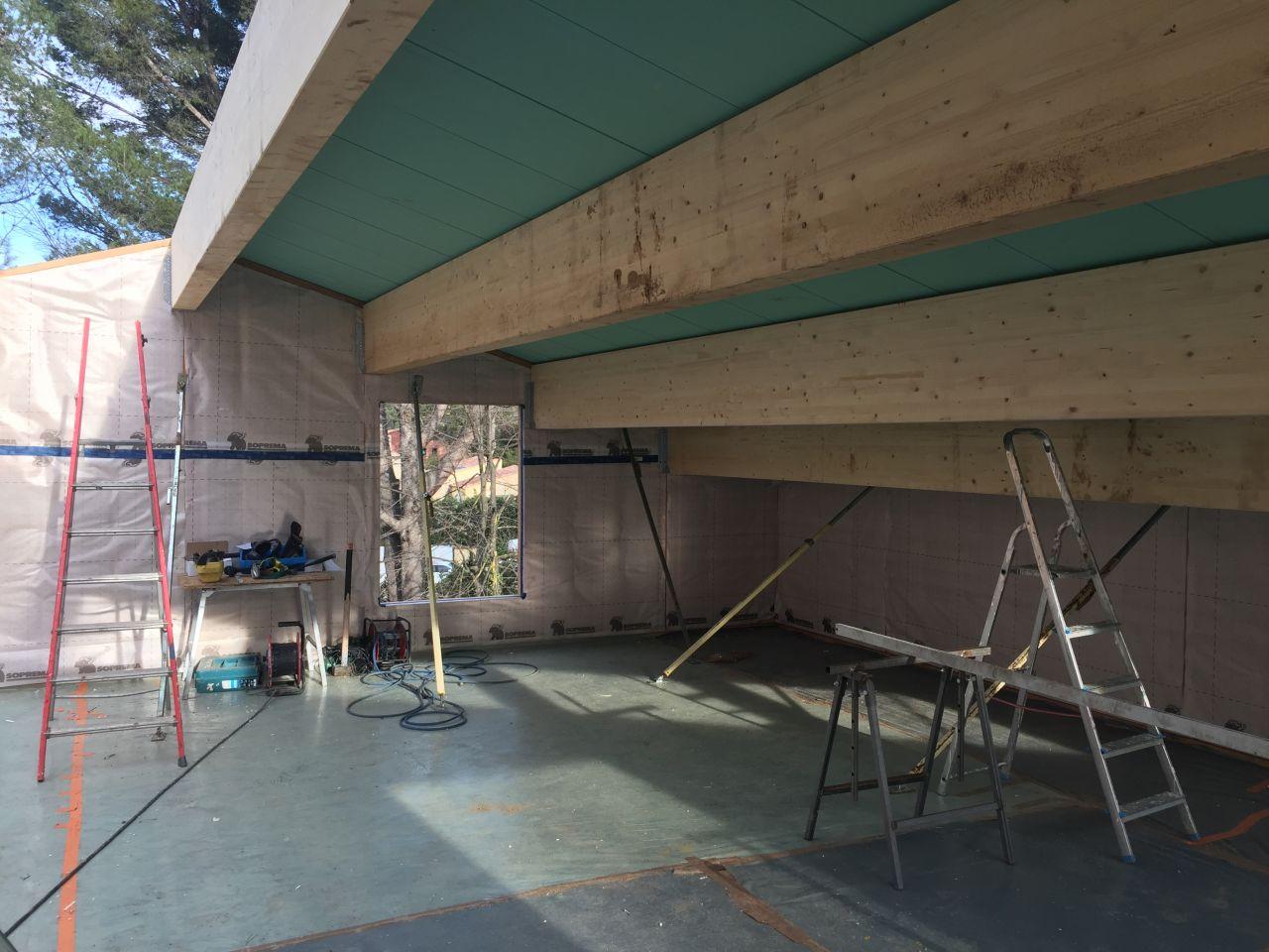 Pan de toiture Nord panneaux dwich en place