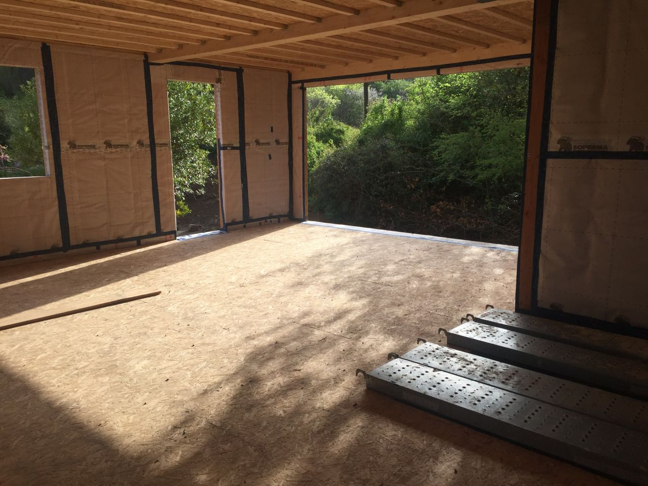 Hors D'eau vue interieur la lumiere naturel du salon le matin