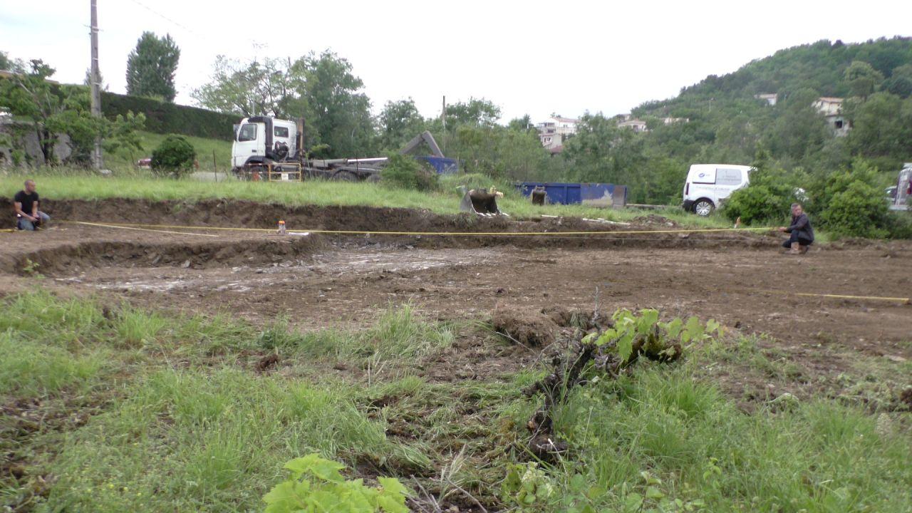 Préparation et traçage pour creuser les fondations.