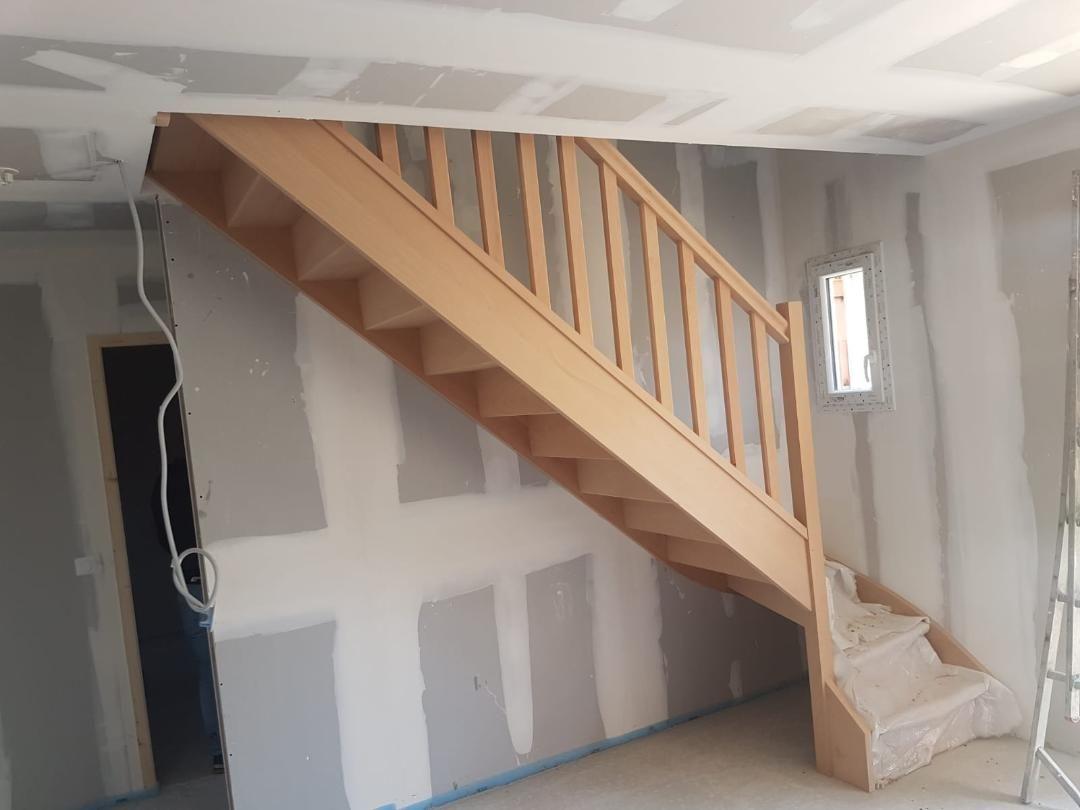 Pose de l'escalier en bois