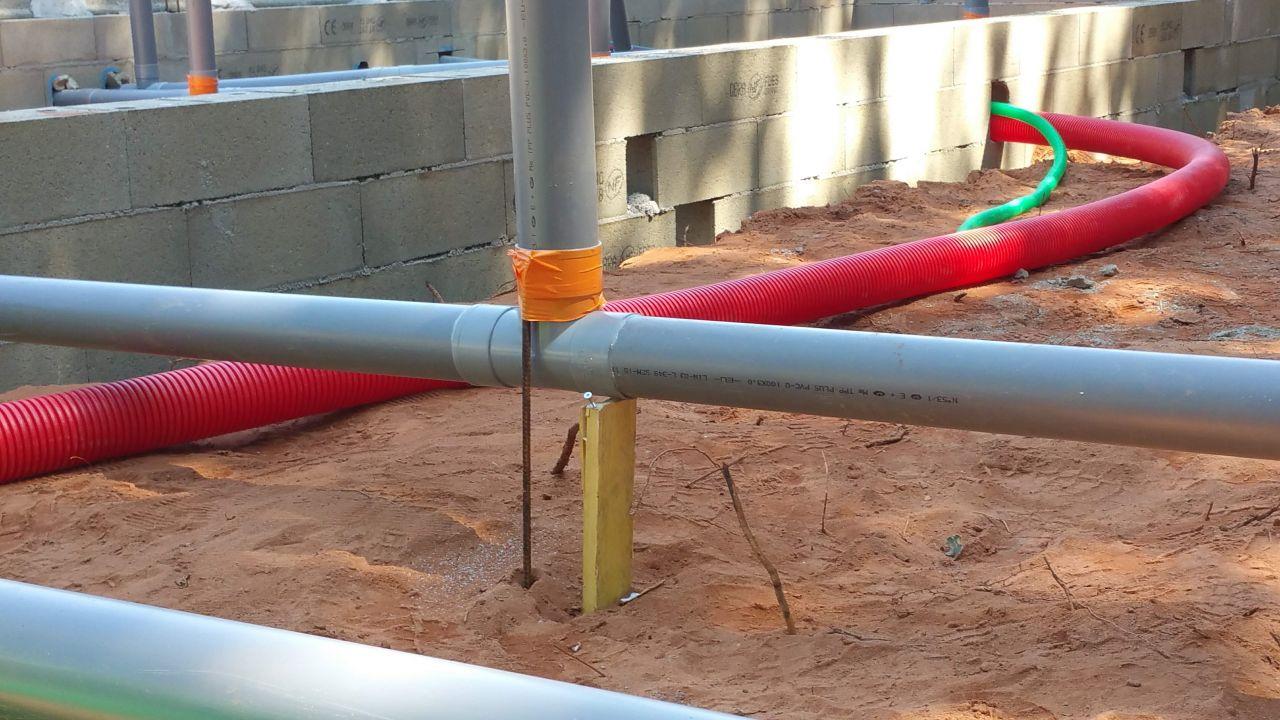 Bricolage sur canalisations du vide sanitaire