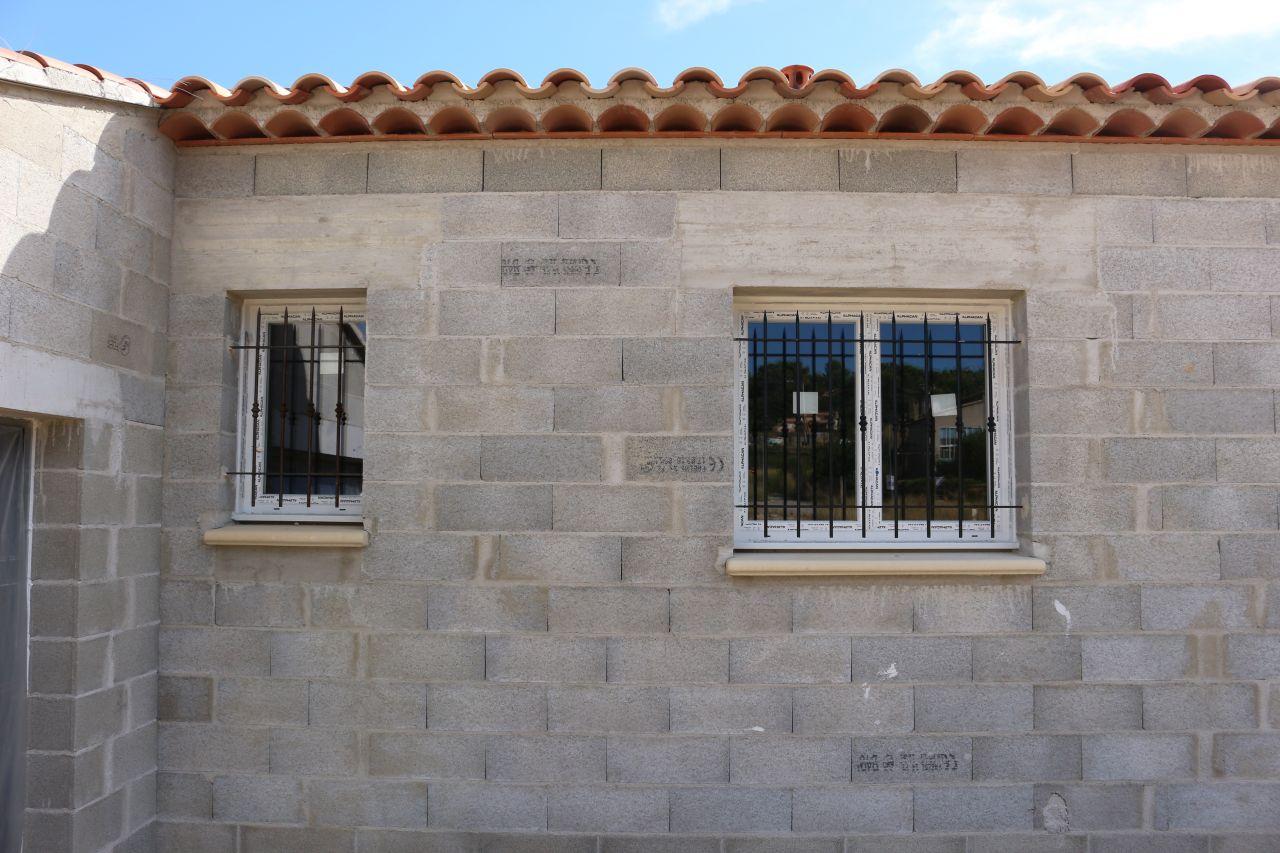 fenêtre du cellier et de la cuisine