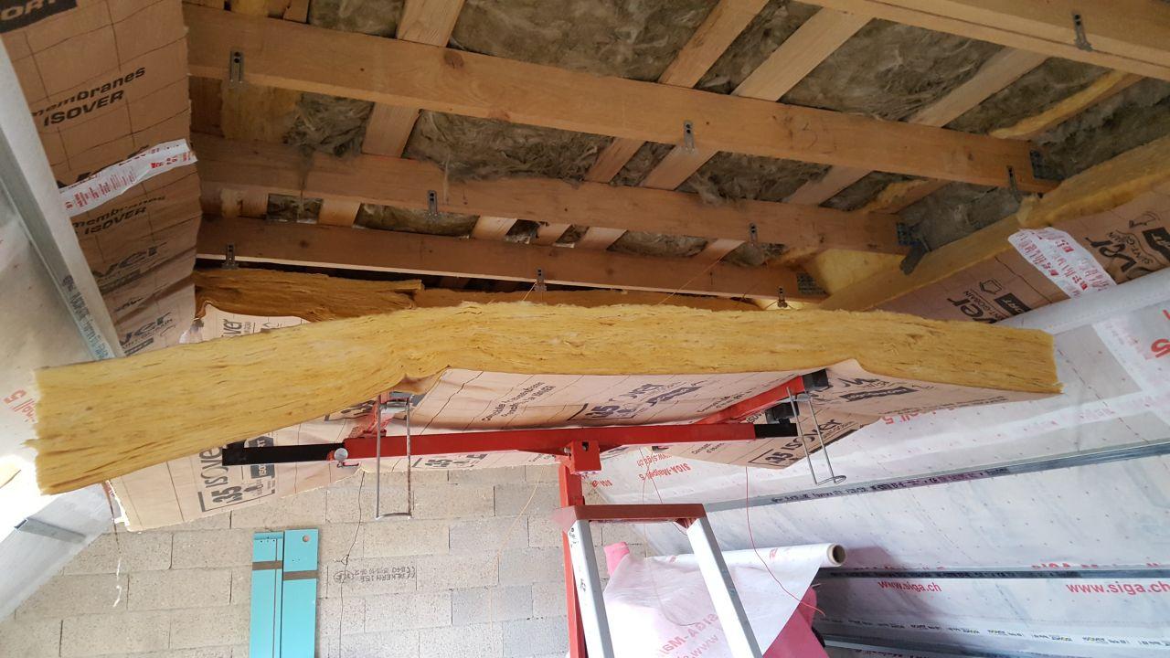 Isolation plafond avec l'aide du leve plaque
