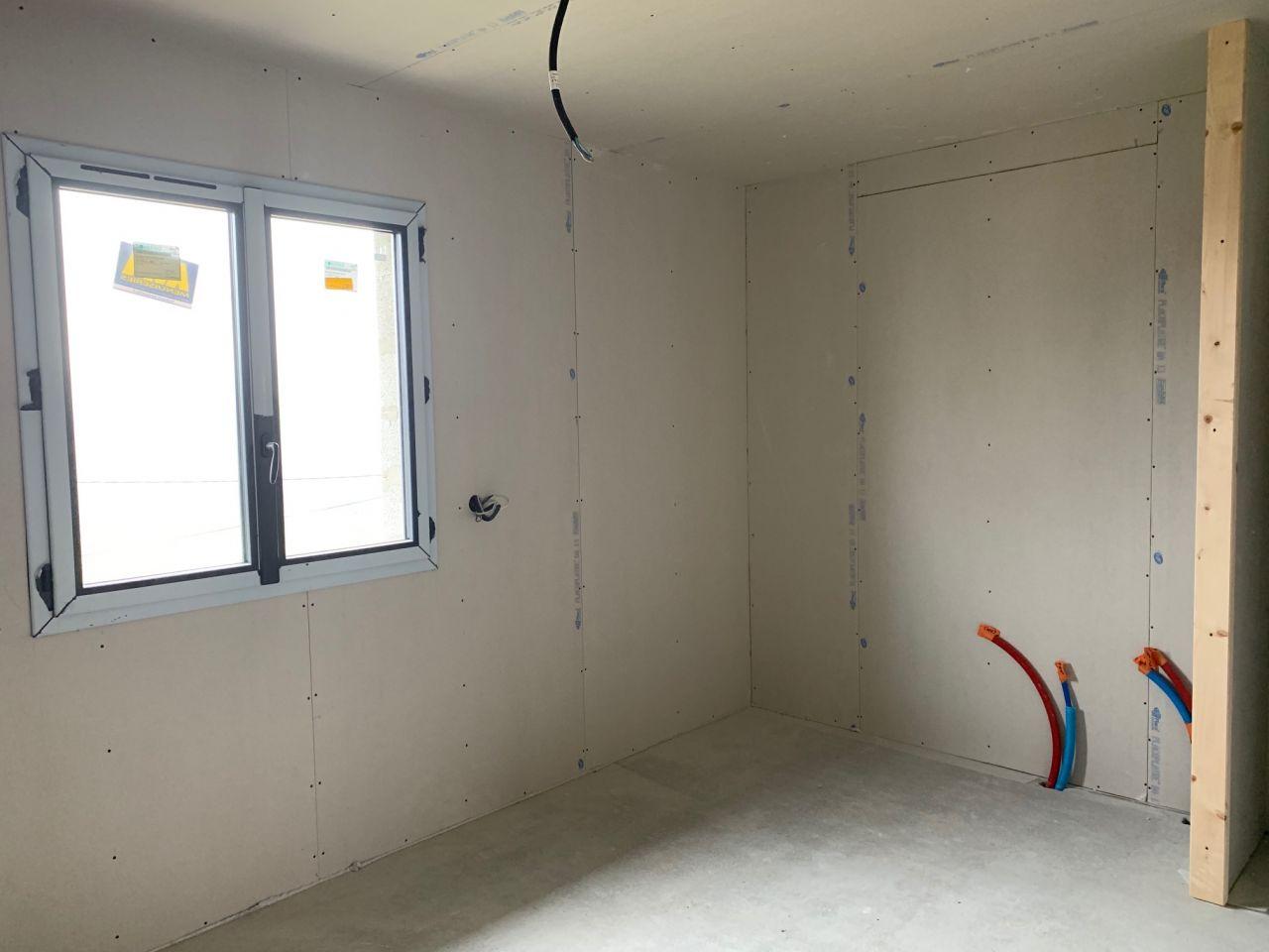 Chambre coté placard intégré