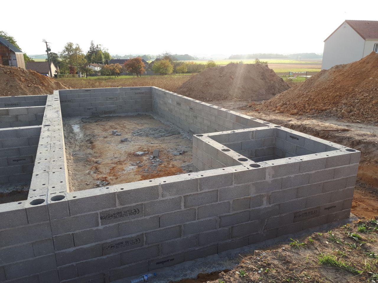 Photo du vide sanitaire de la terrasse, je vous conseille vraiment de la faire en même temps que la construction.