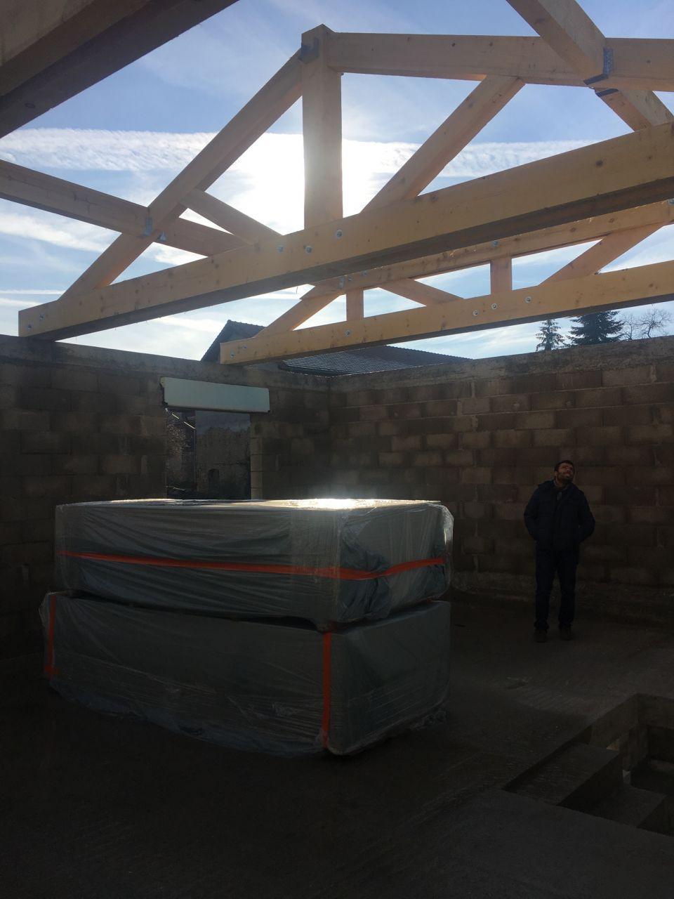 21/12/2018 : Premières structures de la charpentes sont montées