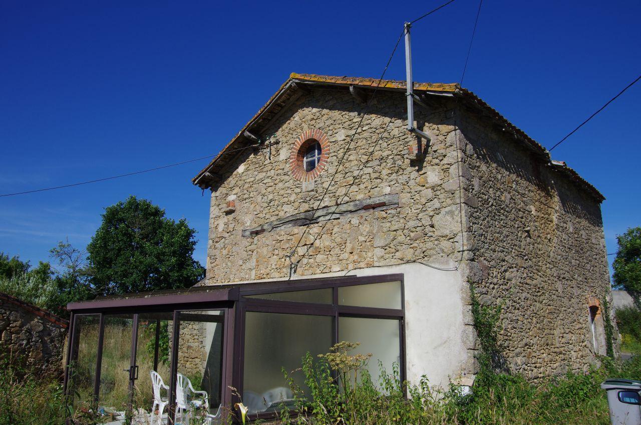 Voici la facade de la maison lors de l'achat