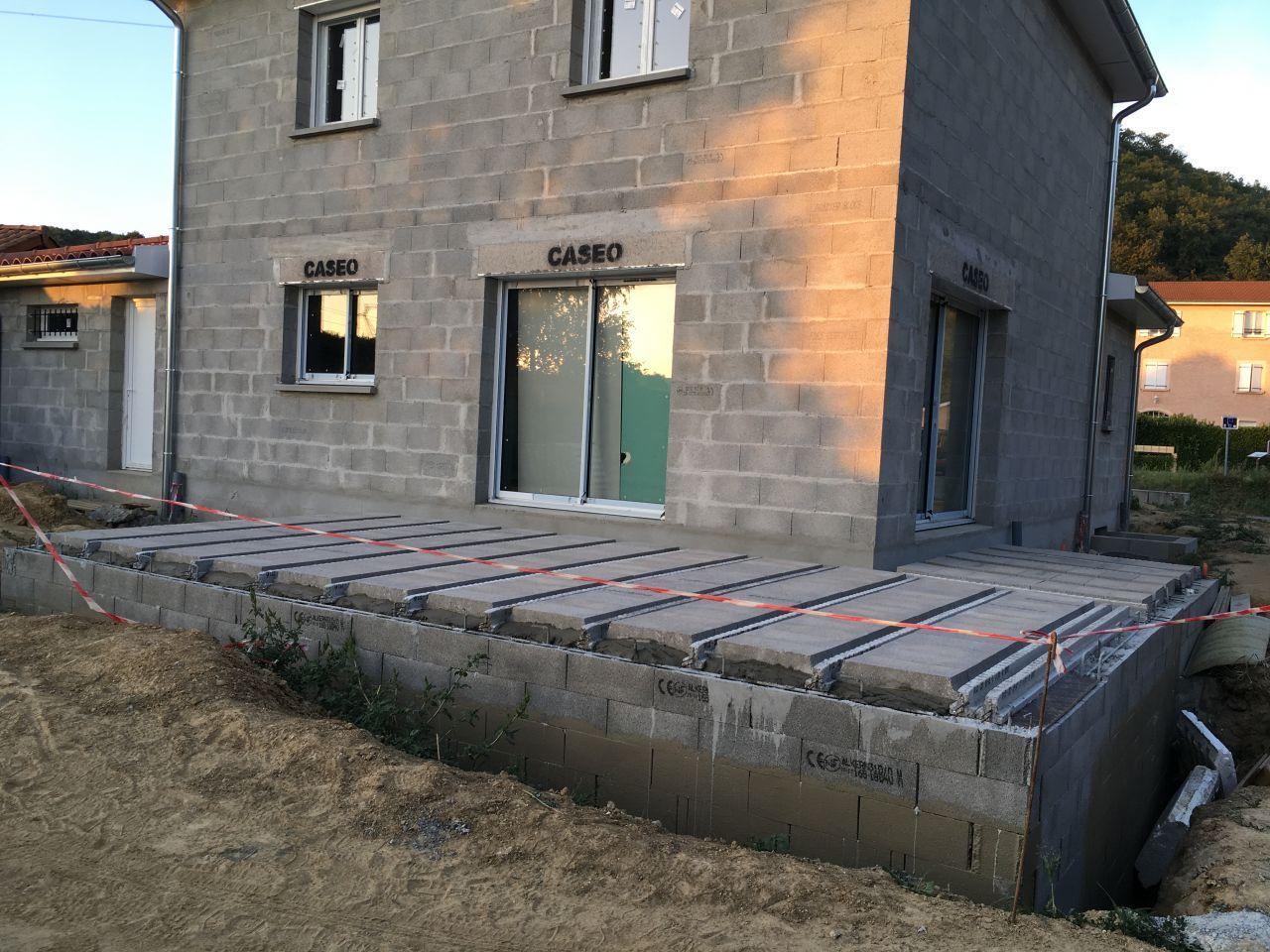 Montage du plancher de la terrasse