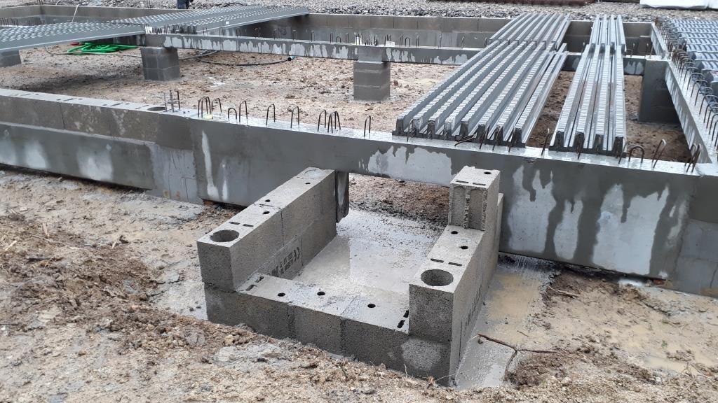 Détail de la trappe d'accès sous le vide sanitaire