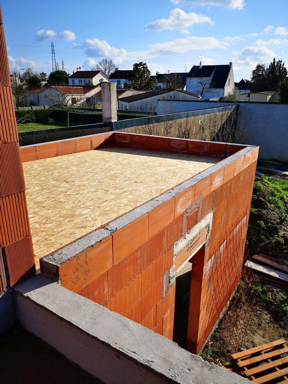 Toit de notre future chambre, depuis la terrasse de l'étage