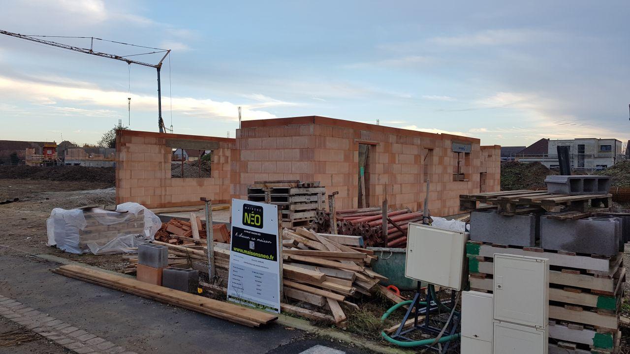 Fin novembre, les murs montent, on arrive bientôt à l'étage