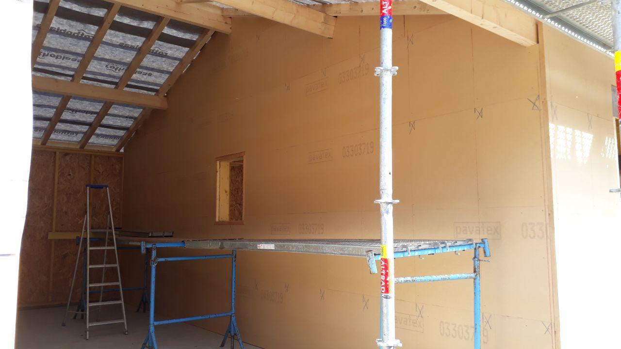 Détail de l'isolation extérieur en fibre de bois qui fait également office de pare-pluie