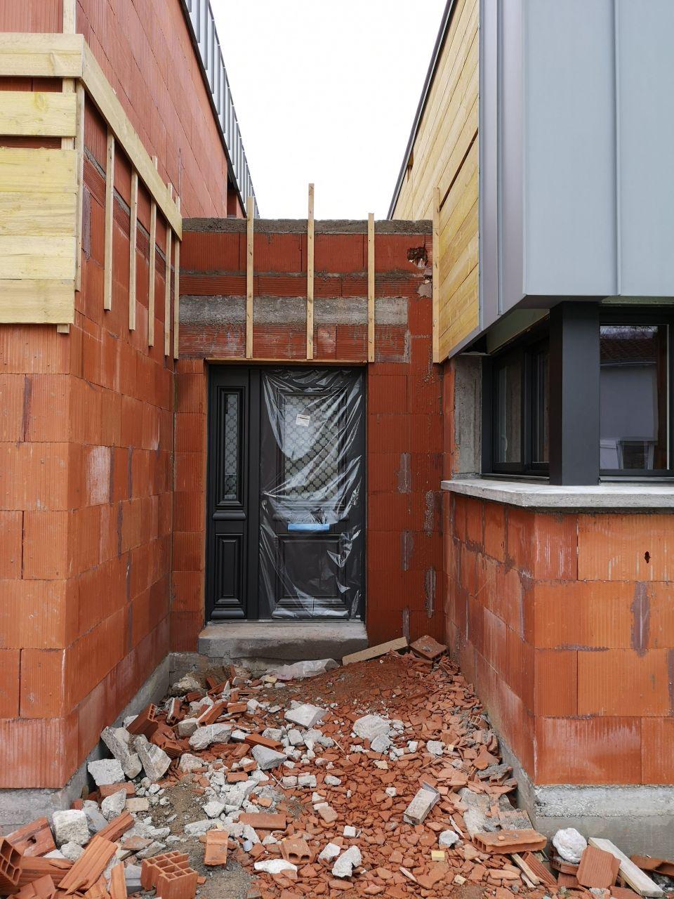 Porte d'entrée Athéna de Bel'M (extérieur noir sablé 2100, intérieur blanc)