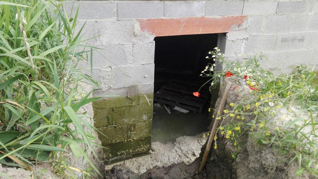 pompage en vue des travaux de drainage. Entrée du VS