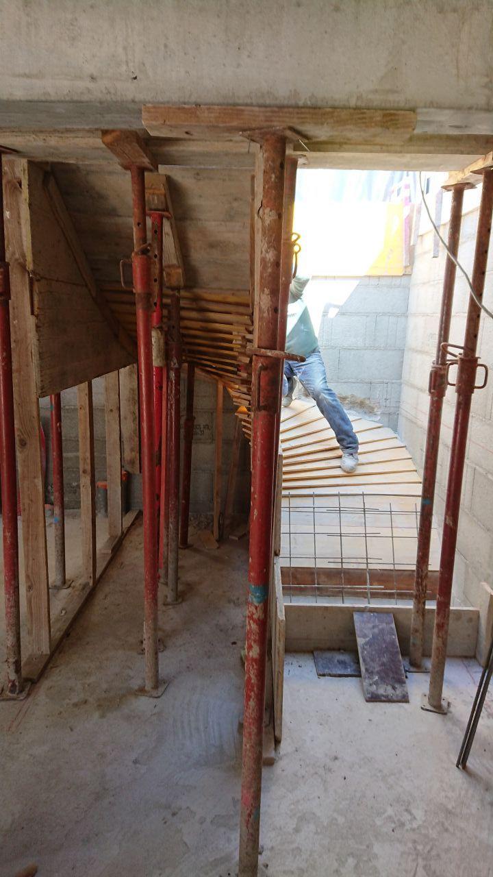 coffrage du l'escalier sous-sol/RDC