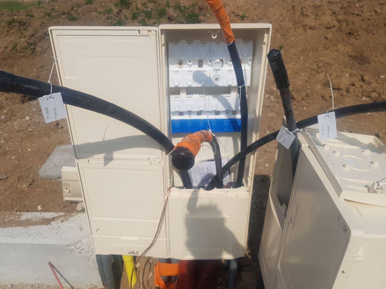 Premiers raccordements électriques