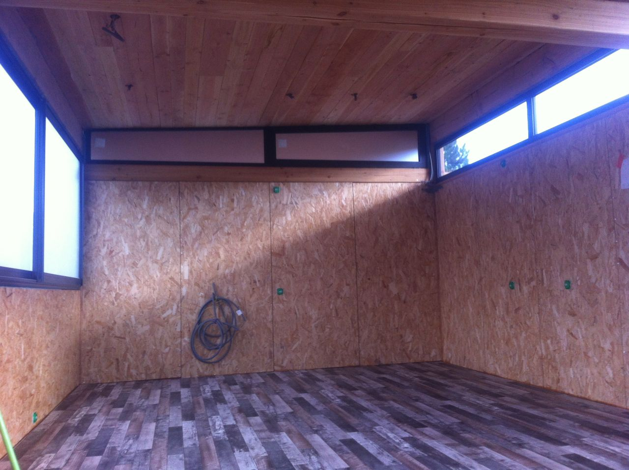 Le studio avec son sol et plafond définitif (manque les cloisons)
