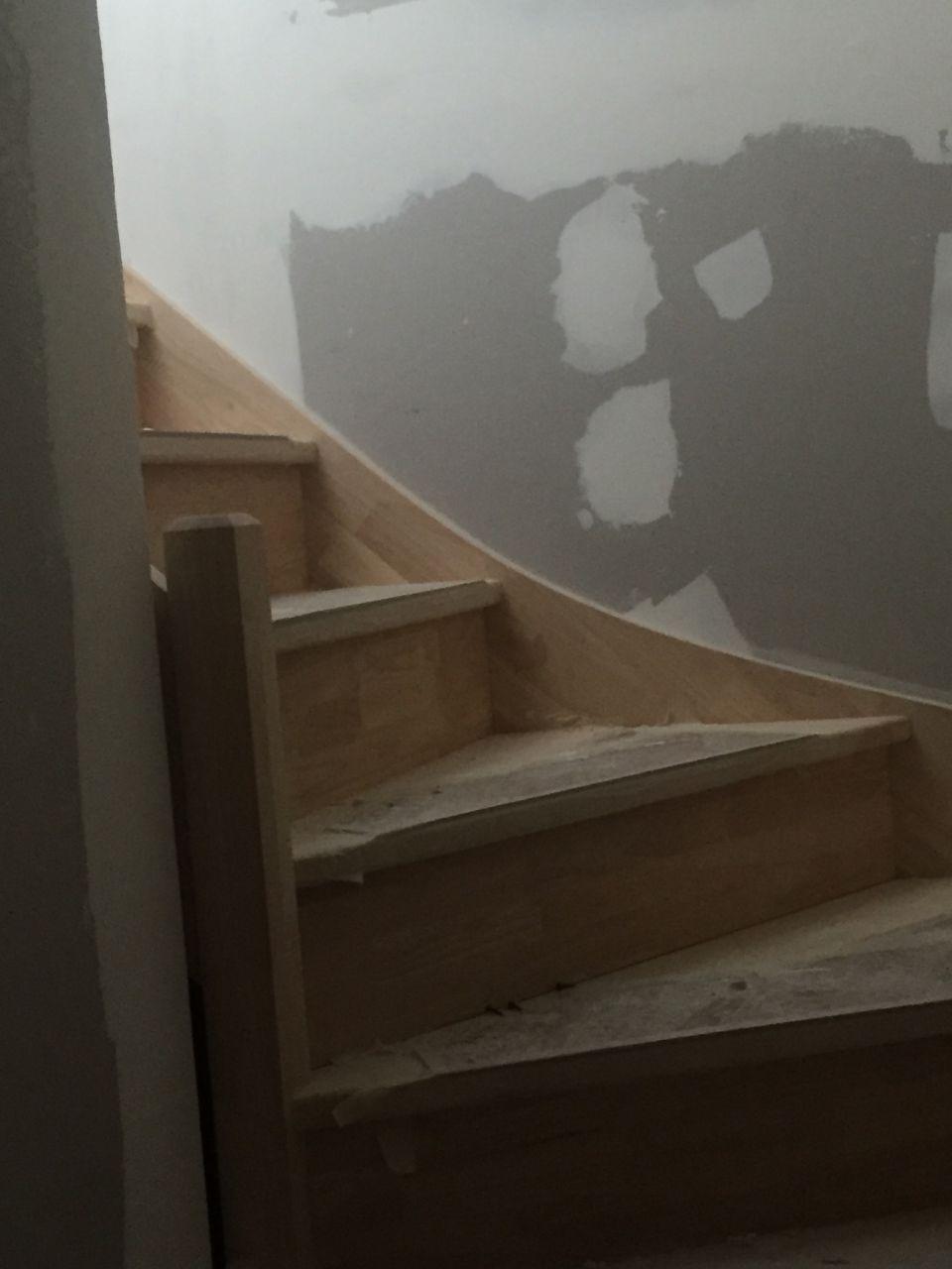 Mise en place de l'escalier Finit l'éscalade pour aller a l'étage Yes !