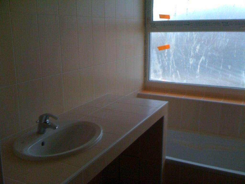 sanitaire et chauffe eau s che serviette et aspiration. Black Bedroom Furniture Sets. Home Design Ideas