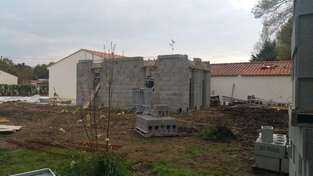 Elevation des murs de l'extension