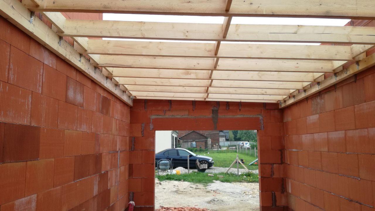 charpente toit plat posée - vue côté garage