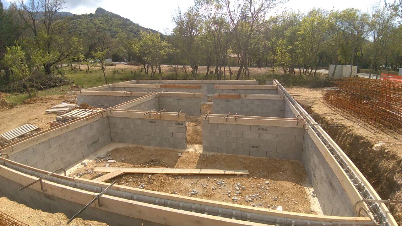 Fondation semelle élargie (60cm) sur 1m de profondeur + VS